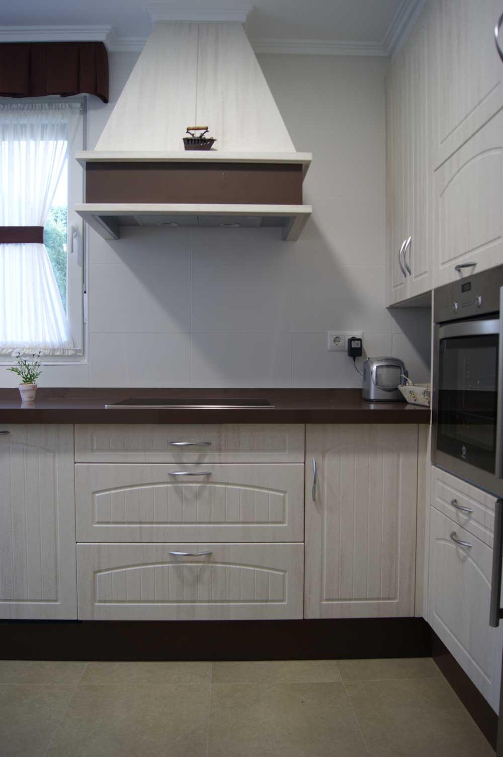 Muebles de cocina en PVC  Grupo Arciniega