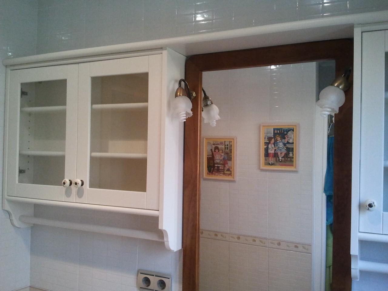 Armarios De Baño A Medida:fabricación a medida de un armario de pared en estilo