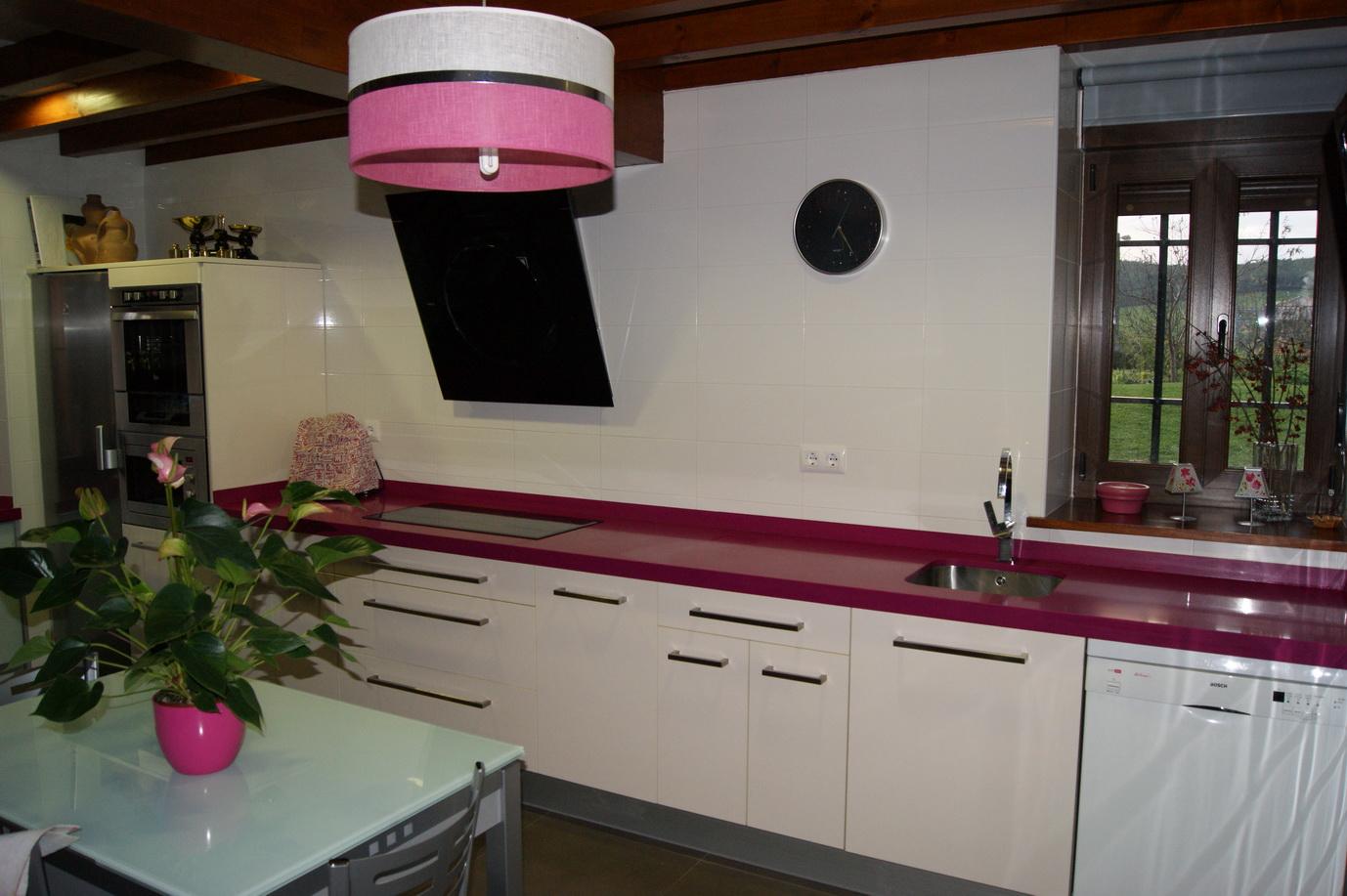 Muebles de cocina en formica | Grupo Arciniega